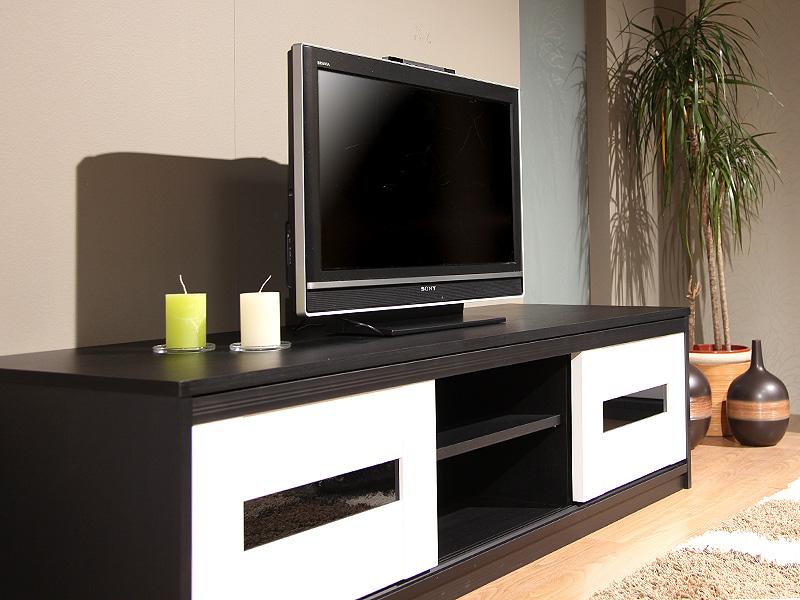 Inaria – tyylikkäät TV-tasot mittatilauksena