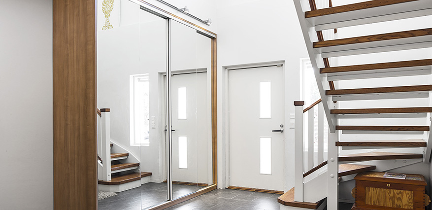 Design 80-W liukuovijärjestelmä seinäkiinnityksellä